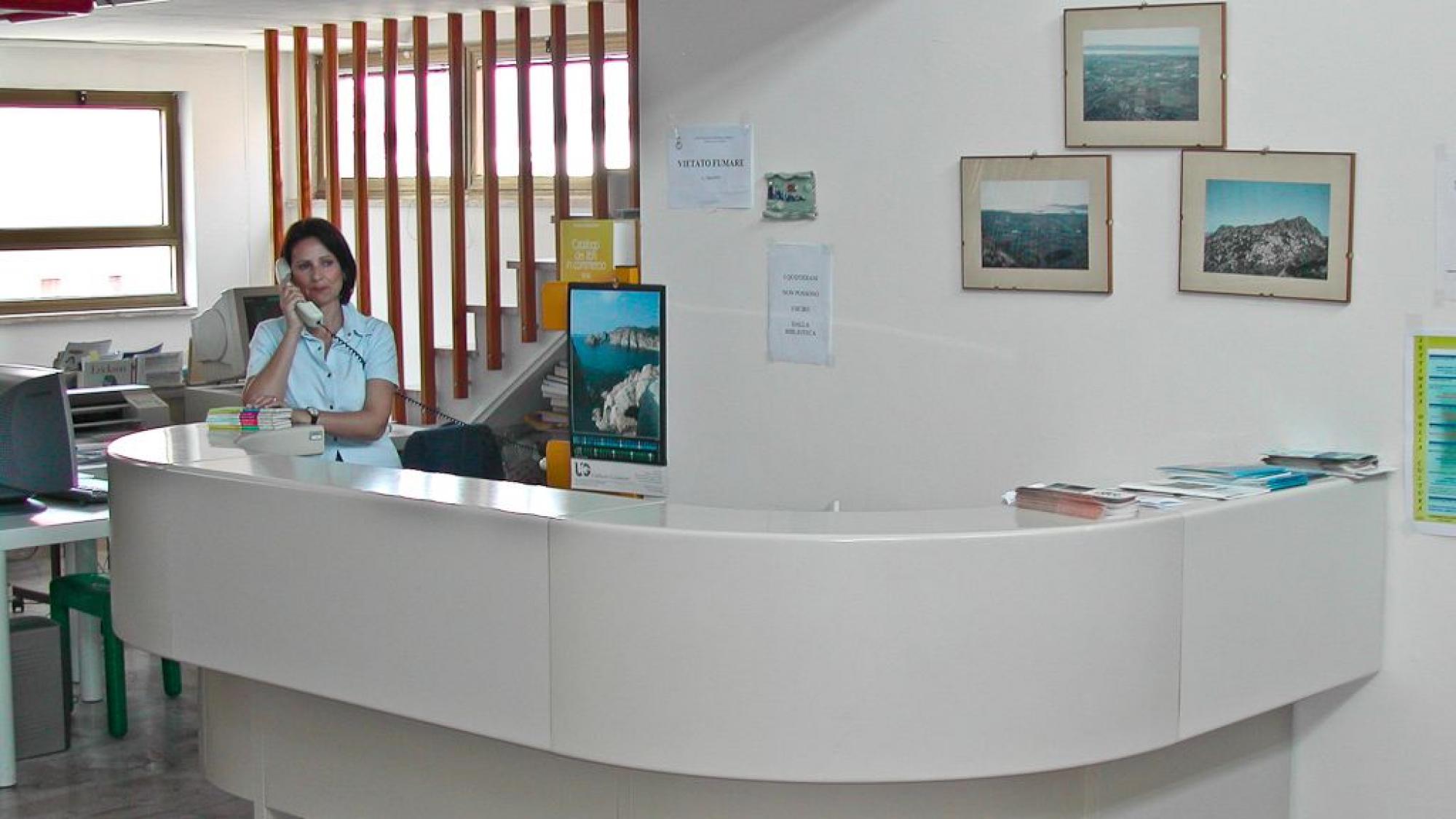 san giovanni suergiu - biblioteca comunale